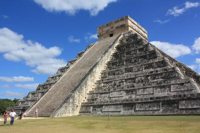 piramide_chichen_itza_2_cv